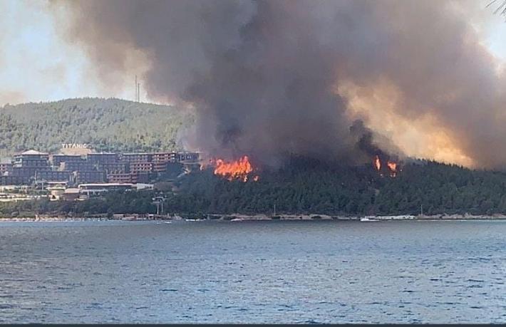Bodrum'da yangın otellere kadar ulaştı... Otel tahliye ediliyor