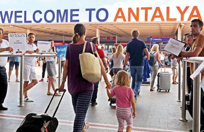 Başkonsolostan Antalya'daki Ruslara çağrı... Otellerinizi boşaltmaya hazır olun
