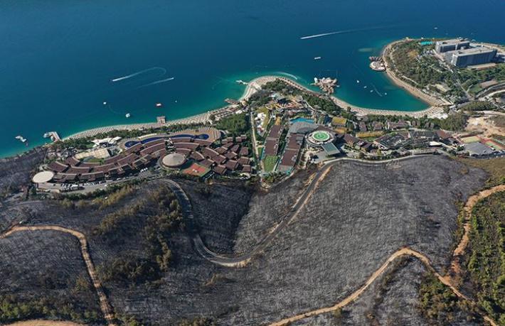 Turizm bölgelerinde yaşanan yangınlar otellerin korkulu rüyası oldu