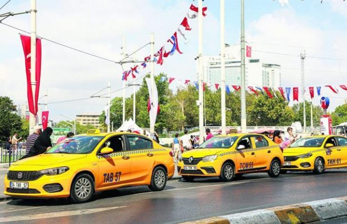 İBB taksi sorununa neşter vuruyor... Yolcu ve sürücü problemleri gece gündüz denetlenecek