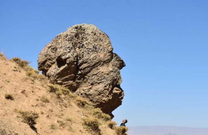 'Ovaya Bakan Adam' kayası turizme kazandırılacak