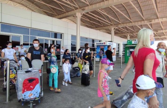 Turist sayısı Ağustos'ta 21 ayın zirvesinden geriledi