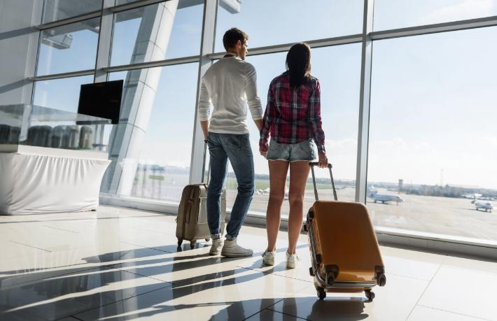 İngiltere'den yeni karar... Tam aşılı yolcuları alacak