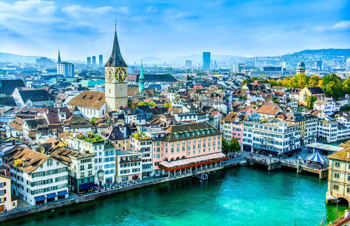 İsviçre'de oteller aşı olmayanları ağırlamanın yollarını arıyor