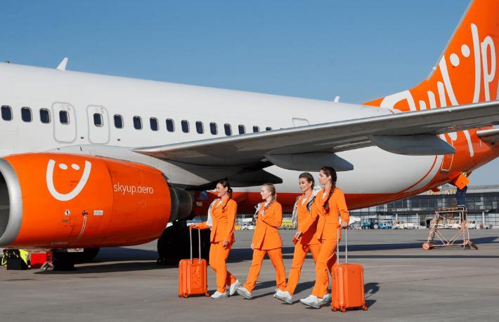 Ukraynalı havayolu şirketinden hostesleri rahatlatan karar