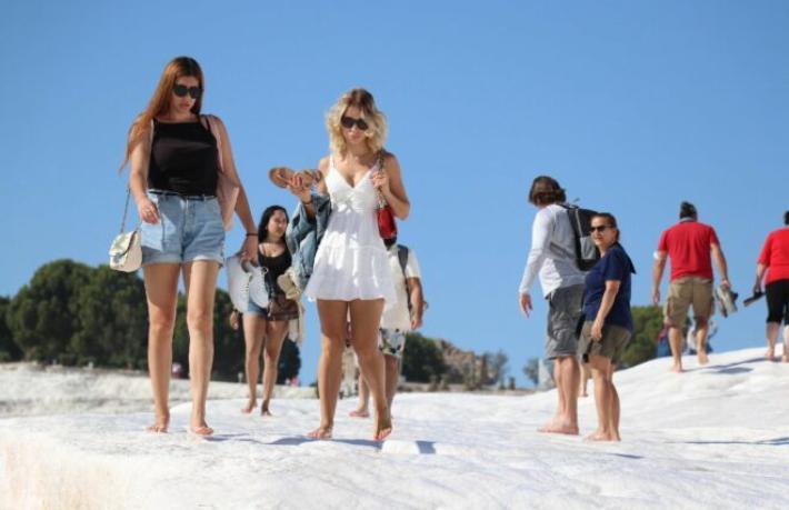 Pamukkale 1 milyon 50 bin turist ağırladı