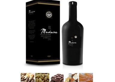 Kayra'dan Kırmızı Likör Şarabı: Kayra Madeira