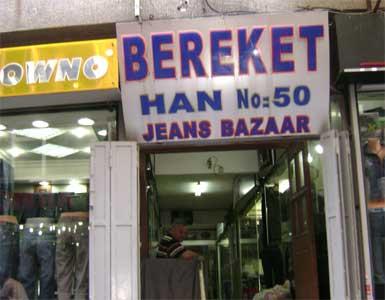 Karaköy'deki 700 yıllık Bereket Han, otel oluyor...