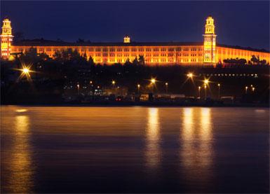 Selimiye Kışlası artık ışıl ışıl...